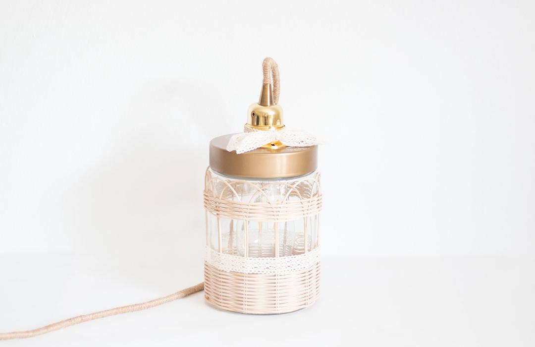Lampe bocal dorée